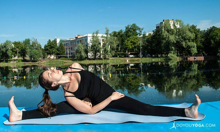 8-Yoga-Poses-to-Boost-Your-Sexual-Energy-733x440