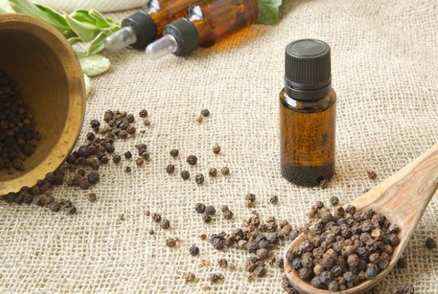 Benefits-O-Black-Pepper-Essential-Oil