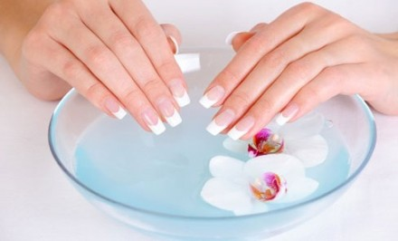 Curing Fingernail Problems and Nail Health Naturally