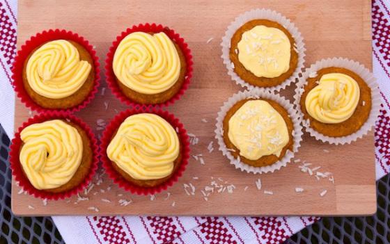 sugar-free-mango-filled-vegan-cupcakes