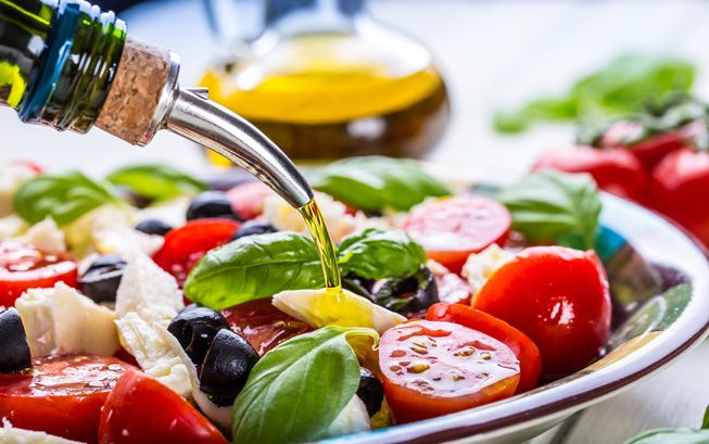 Mediterranean-Style-Salad-Olive-Oil-Tomatoes.jpg.653x0_q80_crop-smart