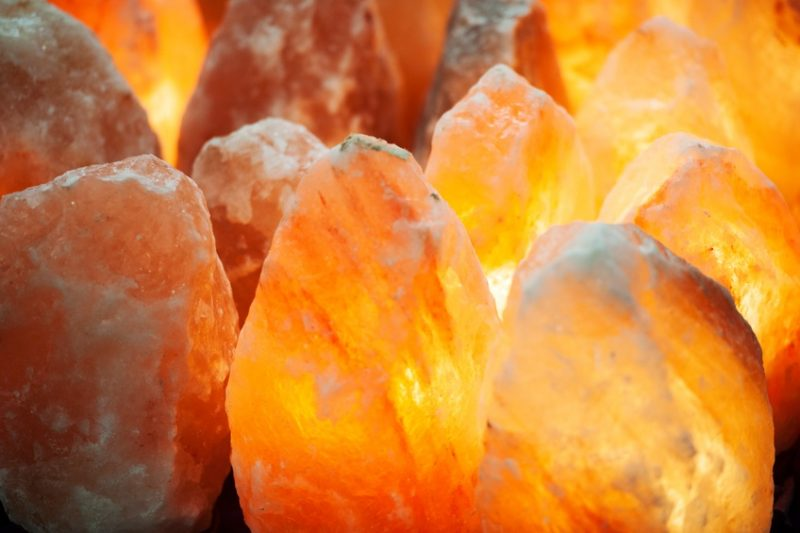 10 Reasons To Keep A Himalayan Salt Lamp In Every Room Of