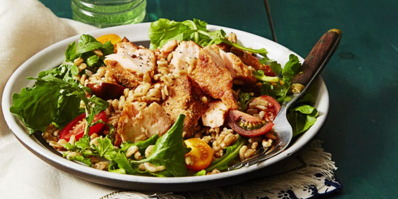 A Healthy Salad That Carry Special Waist-Shrinking Powers