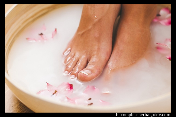 Yellow Toenails - The Complete Herbal Guide
